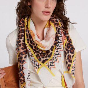 oui scarf